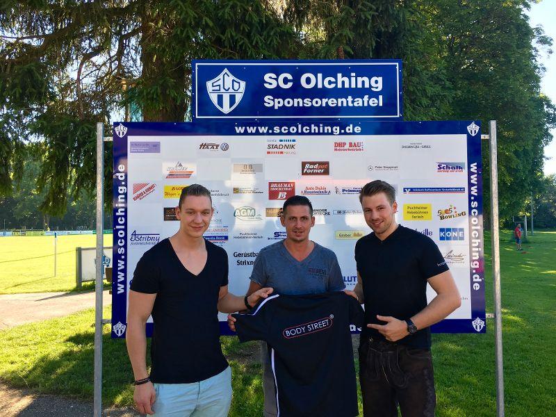 Lauri Kultschytzky (Athletiktrainer SCO und Mitarbeiter Body Street, Guido Ziegler, Benjamin Dasch (Inhaber Body Street Olching)
